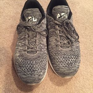 APL SNEAKERS SIZE 8